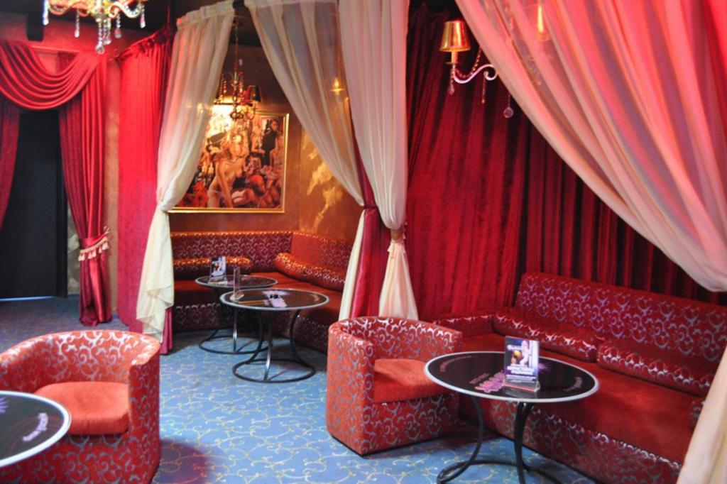 Зажигалка ночной клуб саратов ночные клубы в симс 4 моды
